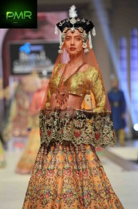 Ali-Xeeshan-Bridal-Couture-Week-2014-Lahore-Day-1-41