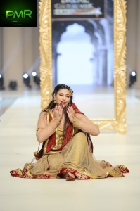 FarazMannan-Bridal-Couture-Week-2014-Lahore-Day-1-21