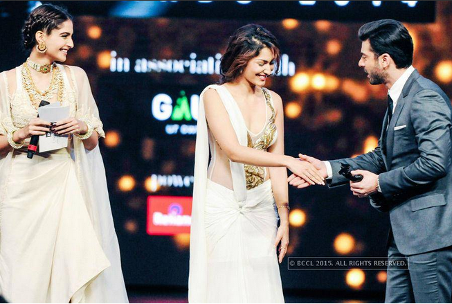 Sonam Kapoor Presented Fawad Khan The Best Debut Award!